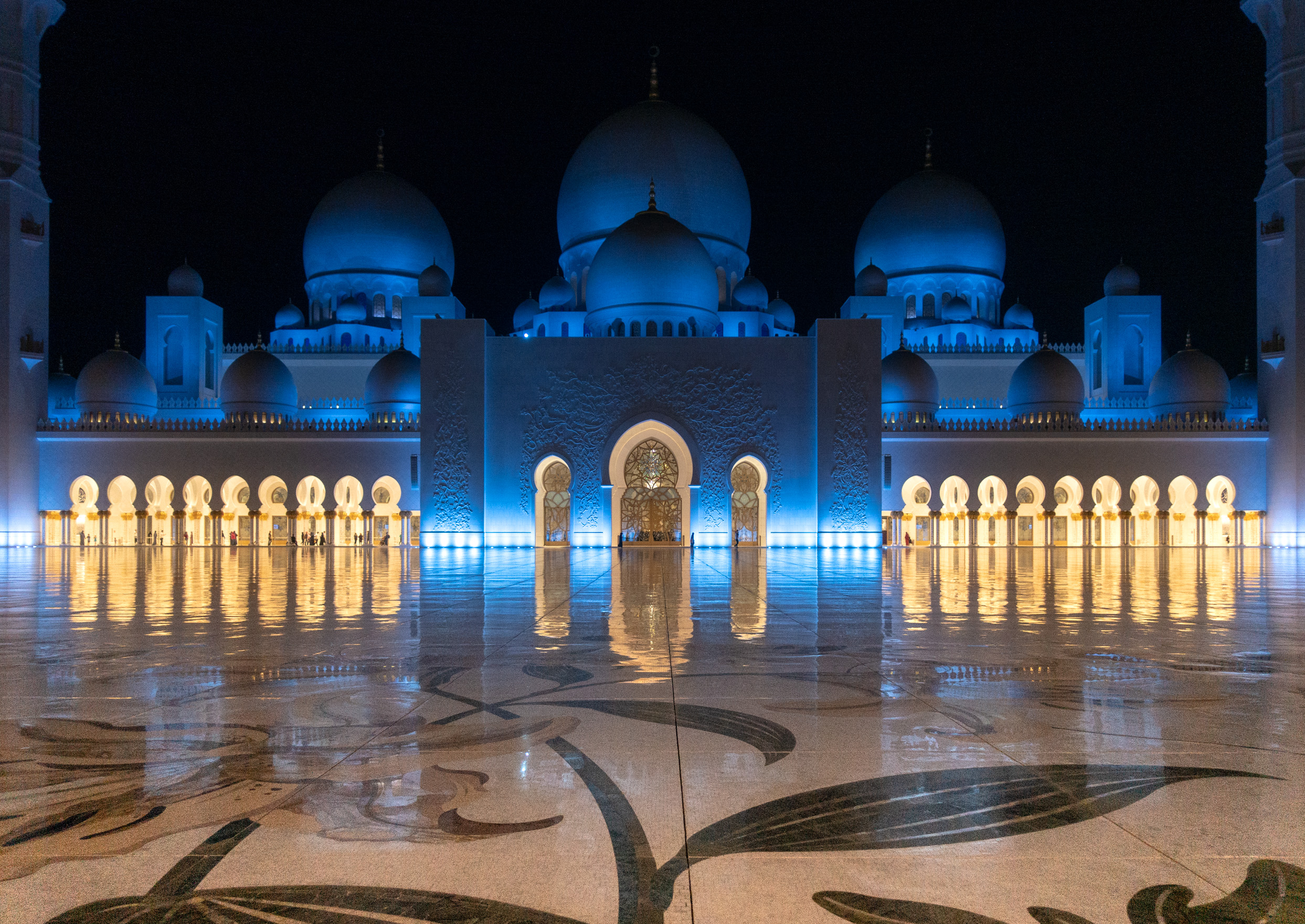 Top 3 Things to do in Abu Dhabi on a Stopover