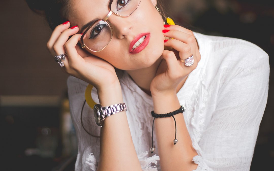 Glam with Glasses: Makeup Tips for Wearing Frames